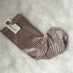 FREE PEOPLE🤎💯 CHAMPAGNE SOCKS🤎1 size NWT🤎